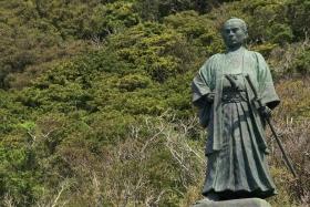 中岡慎太郎 銅像│室戸の田舎暮らし移住