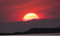 巨大な夕日
